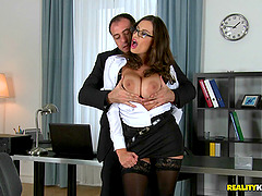 Hot office slut with big natural tits bangs an employee