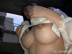 Big tits Japanese girl fingers her cunt in the backseat of his car