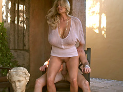 Huge boobs babe Kelly Madison fucking hardcore outdoors