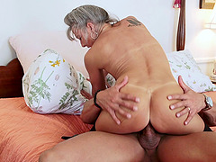 Small tits granny hottie and a big cock guy fucking