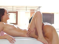 Small-titted Dakota Skye feels amazing on top of her lover boy