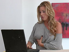 Online Dating Goes Too Well to The Gorgeous Samantha Saint