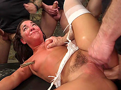 BDSM while she screams from pleasure is fabulous for Amara Romani