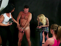 Amateur man gets his dick sucked by Candi Kayne and her friends
