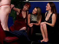 Kinky video of Samantha Page and friends pleasuring one guy